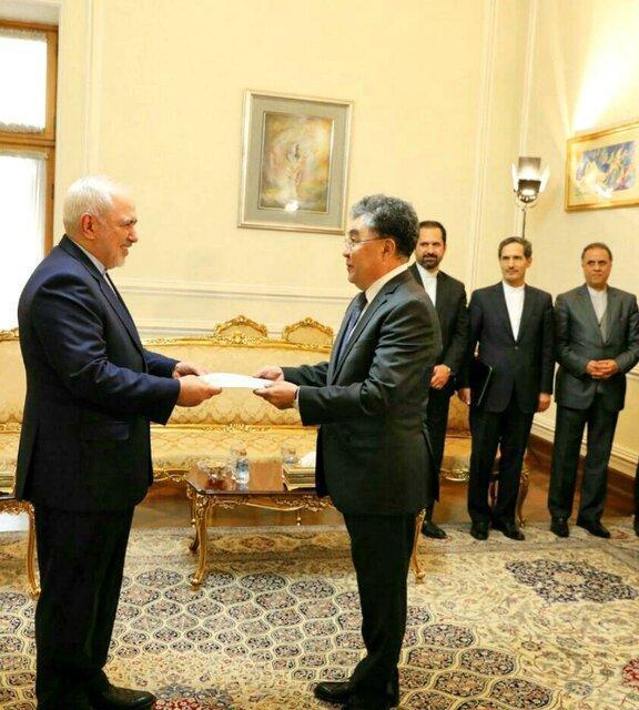 سفرای جدید قزاقستان و کرواسی استوارنامه های خود را تقدیم ظریف کردند
