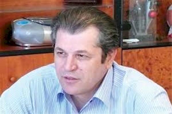 منزوی: اجرای سقف قرارداد در استقلال شدنی نیست