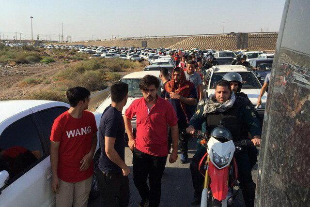 ترافیک سنگین در مسیرهای منتهی به استادیوم فولاد