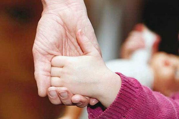 واگذاری 30 کودک بی سرپرست در کرمانشاه به فرزندخواندگی