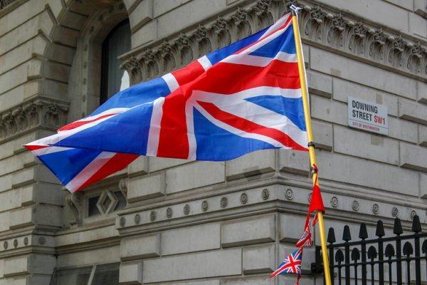 یک دیپلمات انگلیسی در آمریکا از مقام خود کناره گیری کرد