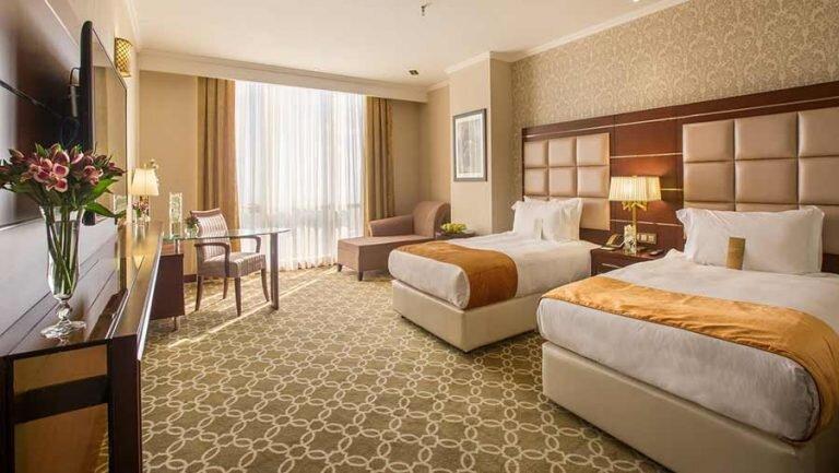 هاشمی: هتل ها و موزه های پایتخت با یارانه زنده مانده اند ، درآمدی از گردشگری در تهران نداریم