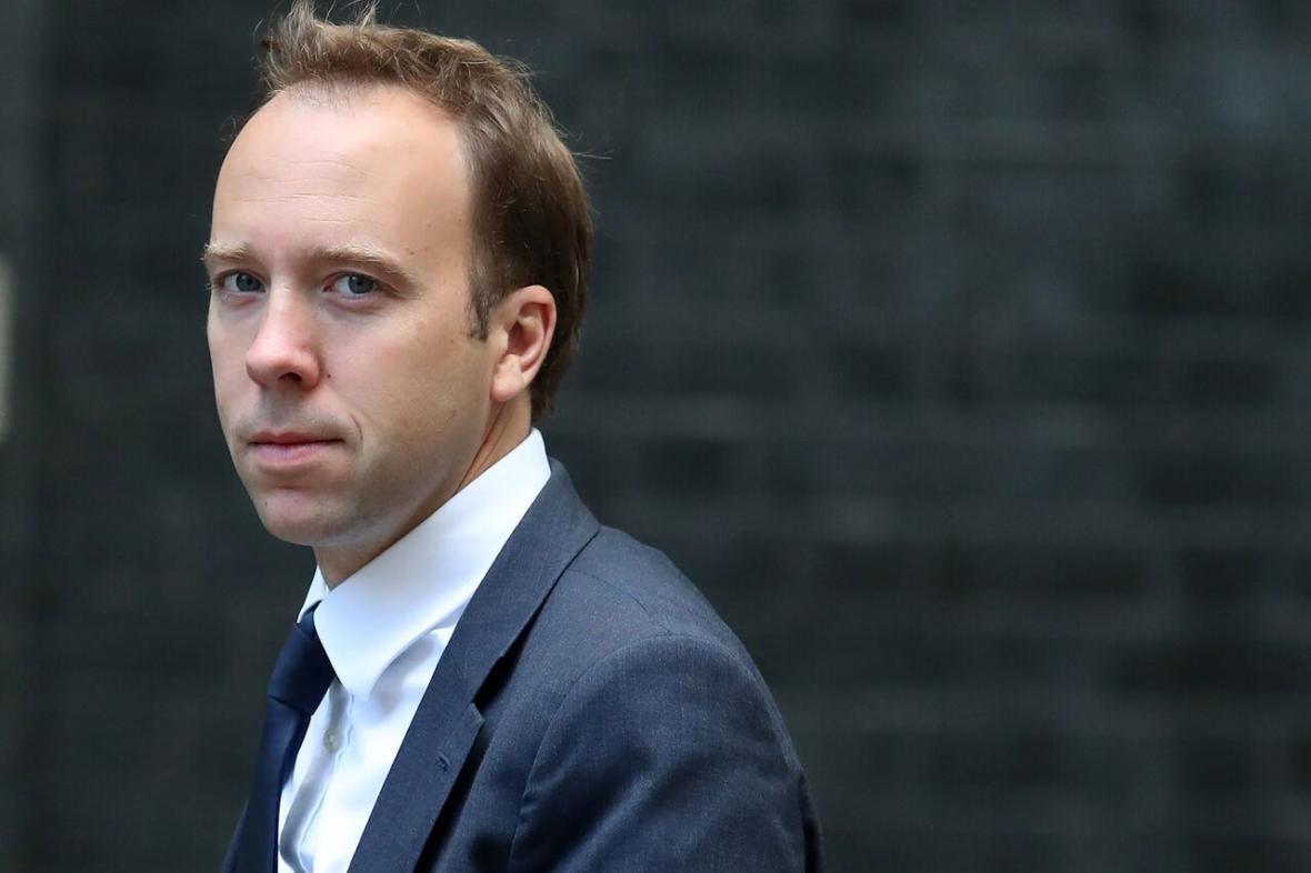 خبرنگاران بعداز جانسون، وزیر بهداشت انگلیس هم به کرونا مبتلا شد
