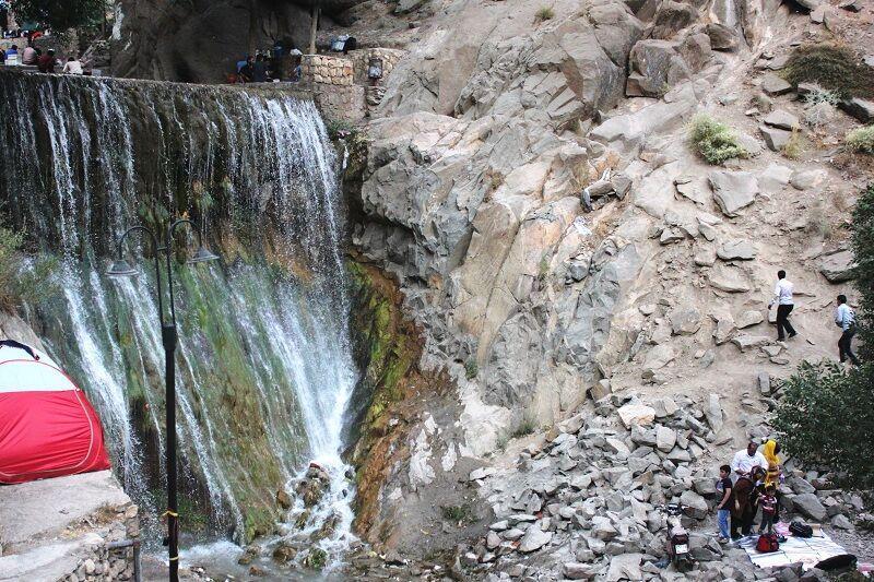 خبرنگاران فرماندار: سفر به سمیرم در شرایط کرونایی خطرناک است