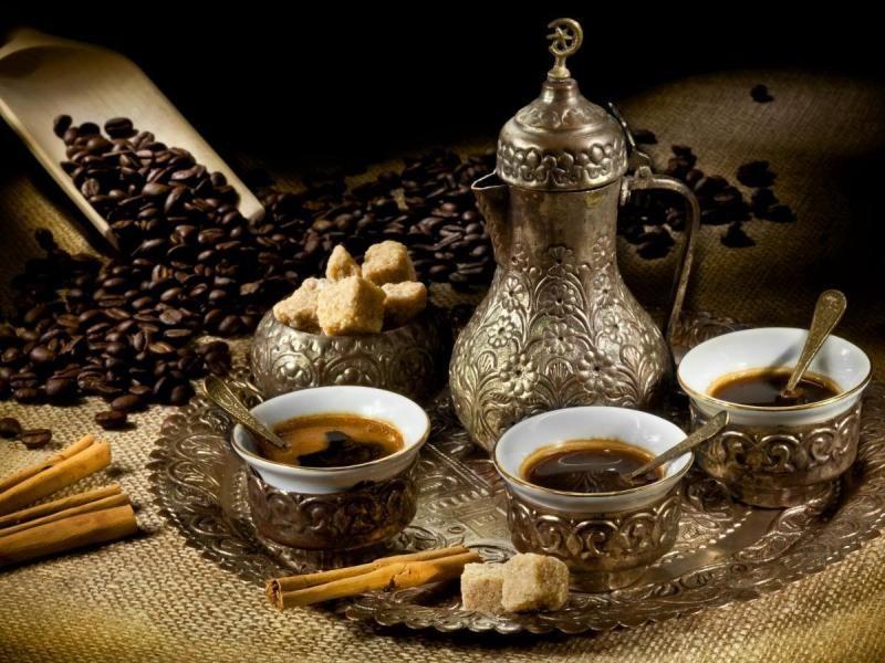 طرز تهیه قهوه عربی با دله یا قهوه جوش ترک دستی