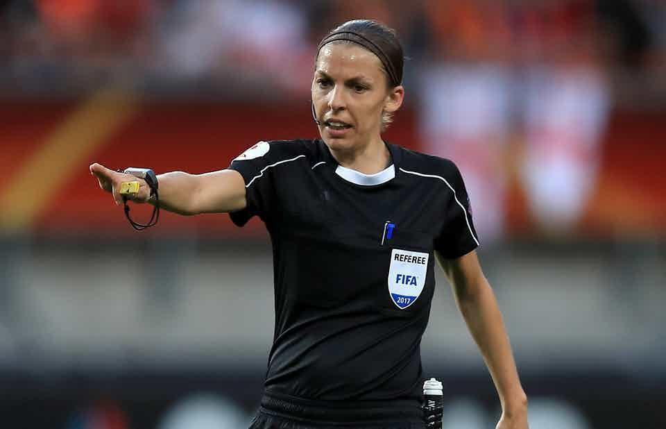 برای اولین بار در تاریخ، یک زن در لیگ قهرمانان اروپا قضاوت می نماید!