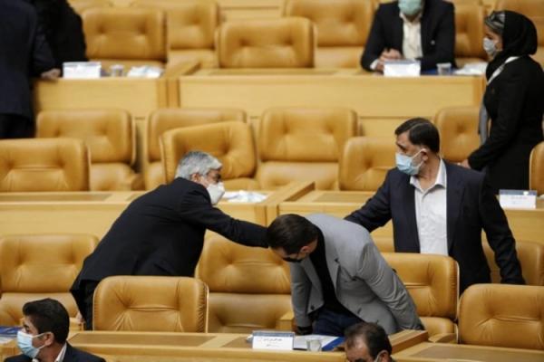 وداع علی کریمی؛ انتخابات فدراسیون فوتبال به دور دوم کشیده شد