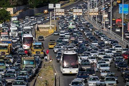 افزایش تردد خودرو در جاده ها ، هشت جاده مسدود است