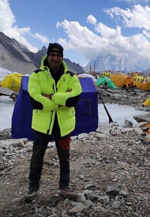 صعود کوه نورد ایرانی به اورست