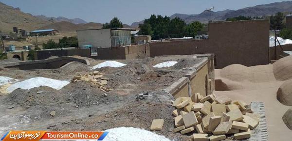 شروع عملیات بازسازی بام مجموعه کاروانسرای شمس السلطنه نراق