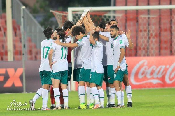 بازیکنان تیم ملی عراق در آستانه بازی با ایران آغاز به کری خوانی کردند.